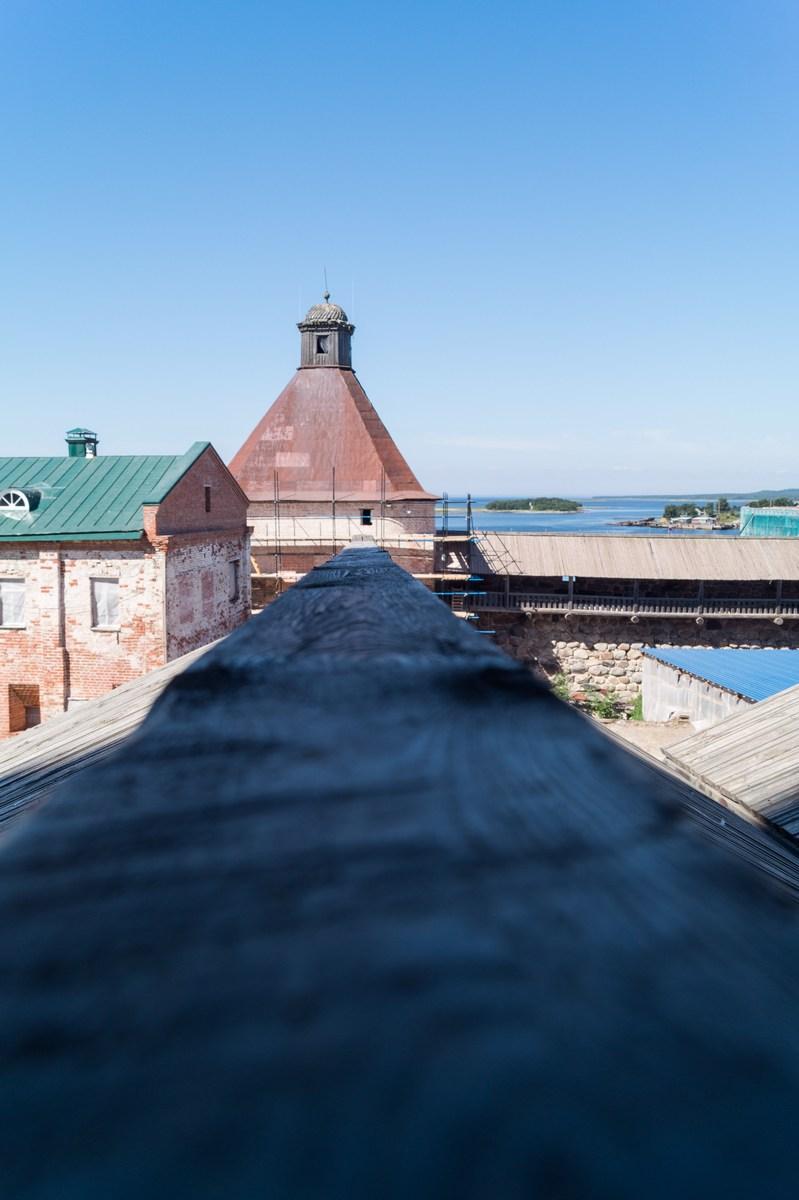 Соловецкий монастырь. Белое море и Успенская башня.