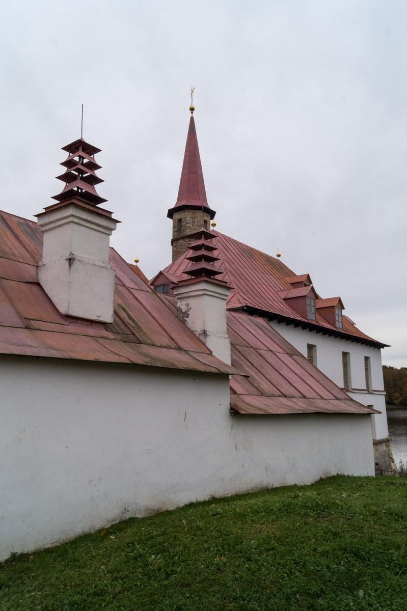 Гатчина. У Приоратского дворца.