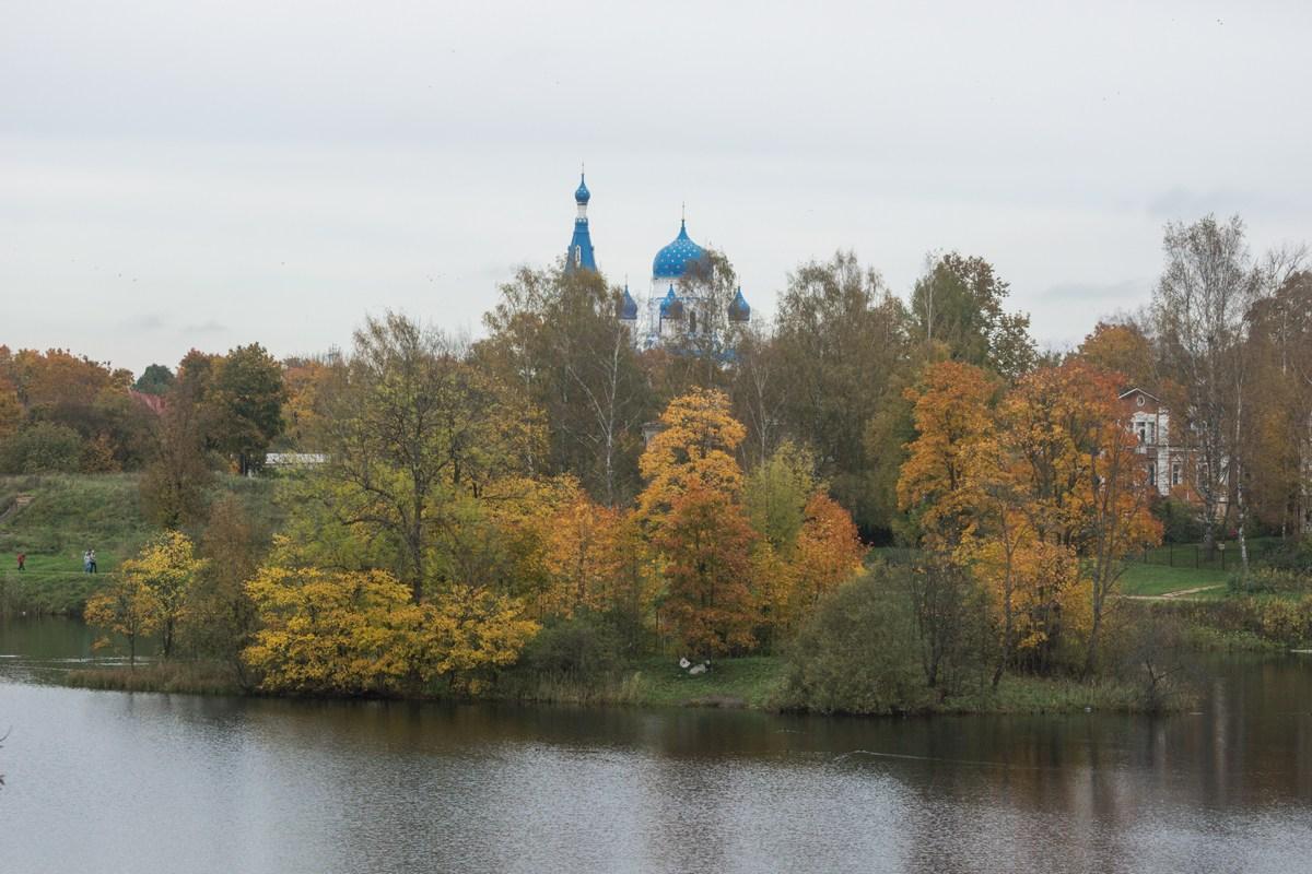 Гатчина. В Приоратском парке.