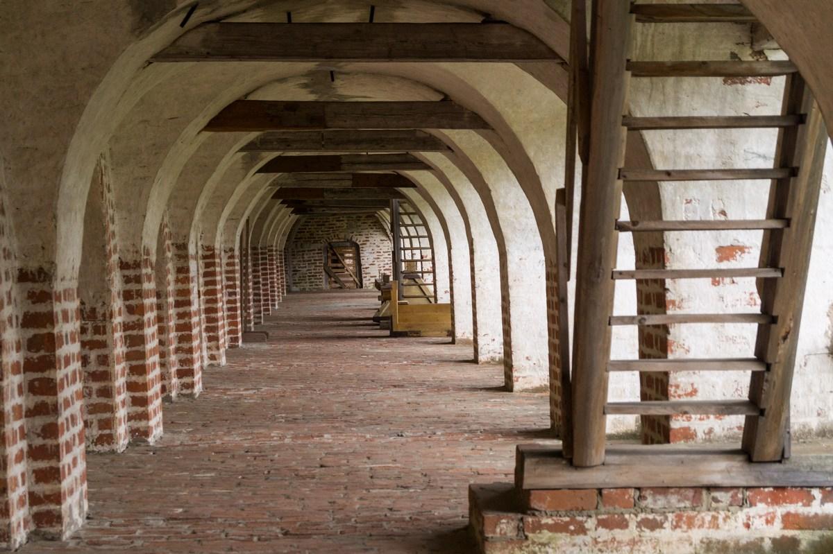 Кирилло-Белозерский монастырь. На втором ярусе стен.