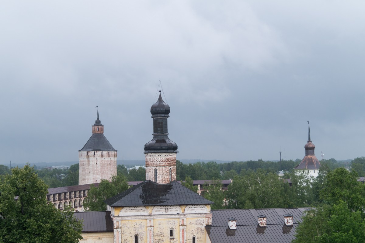 Кирилло-Белозерский монастырь. На колокольне.