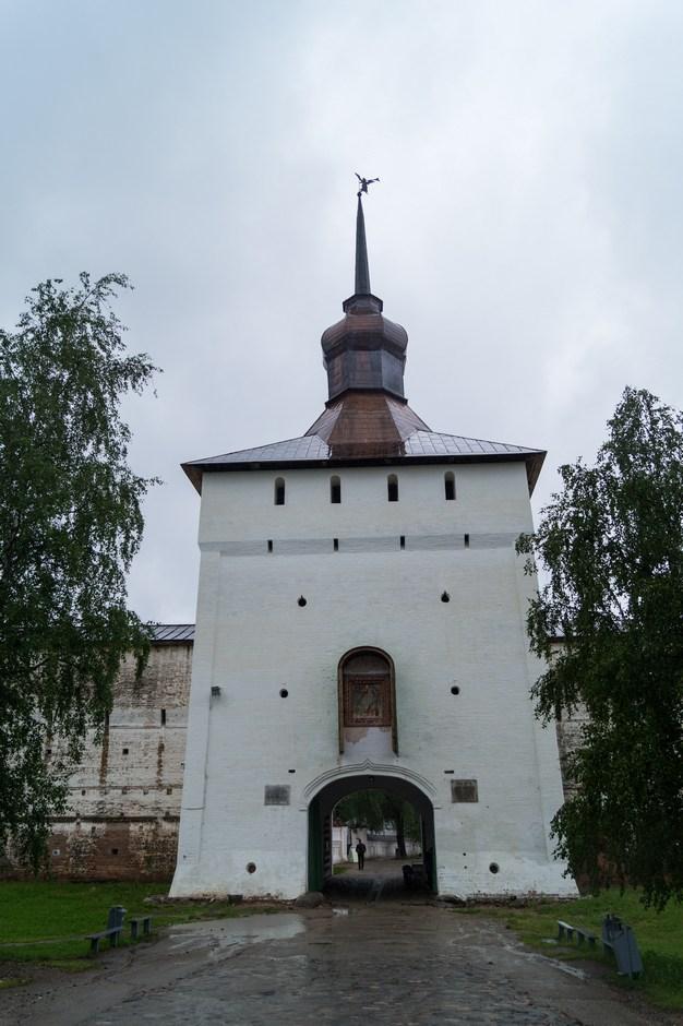 Кирилло-Белозерский монастырь. Казанская башня.