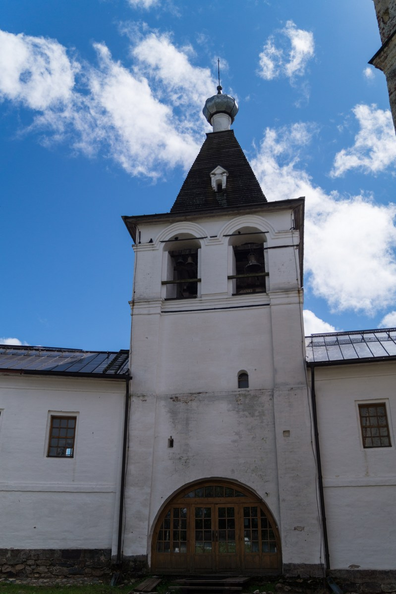 Ферапонтов монастырь. Колокольня.