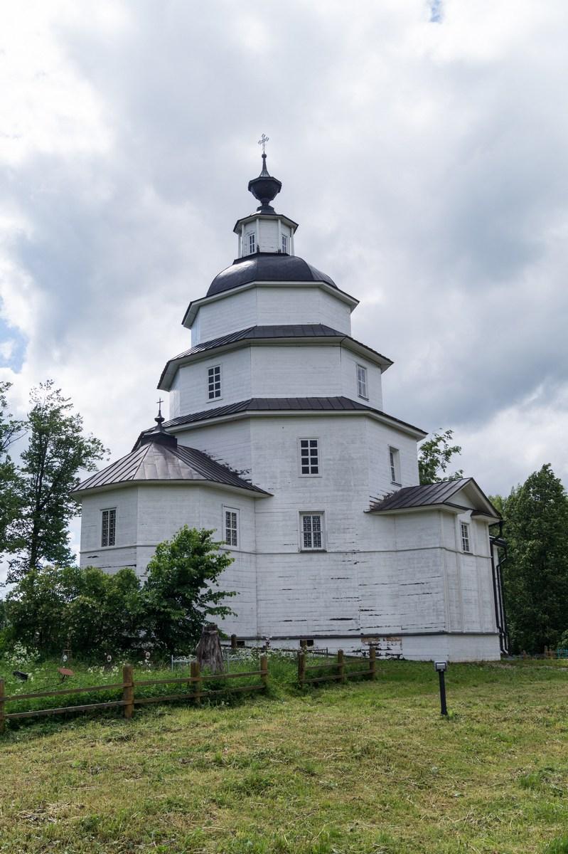 Ферапонтово.  Церковь Ильи Порока в Цыпино.