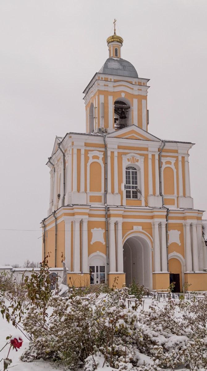 Варлаамо-Хутынский Спасо-Преображенский монастырь. Колокольня.