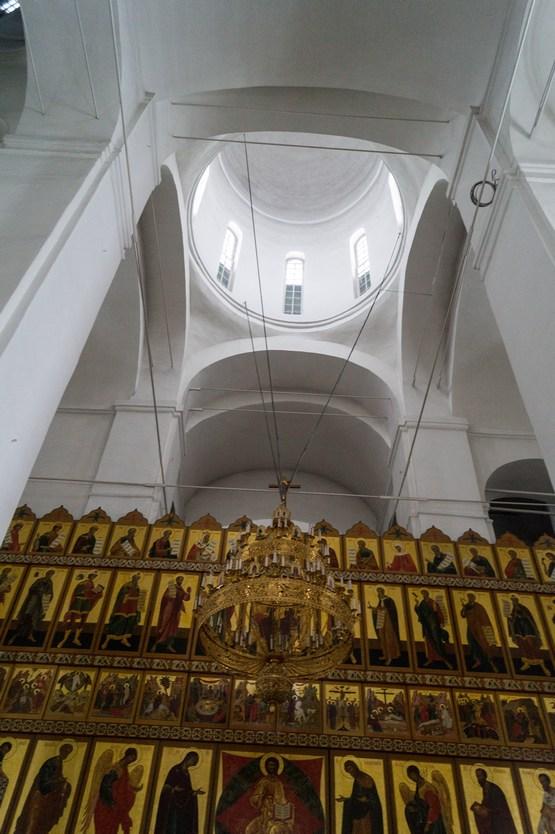 Спасо-Преображенский собор в Варлаамо-Хутынском монастыре. Иконостас и высота.