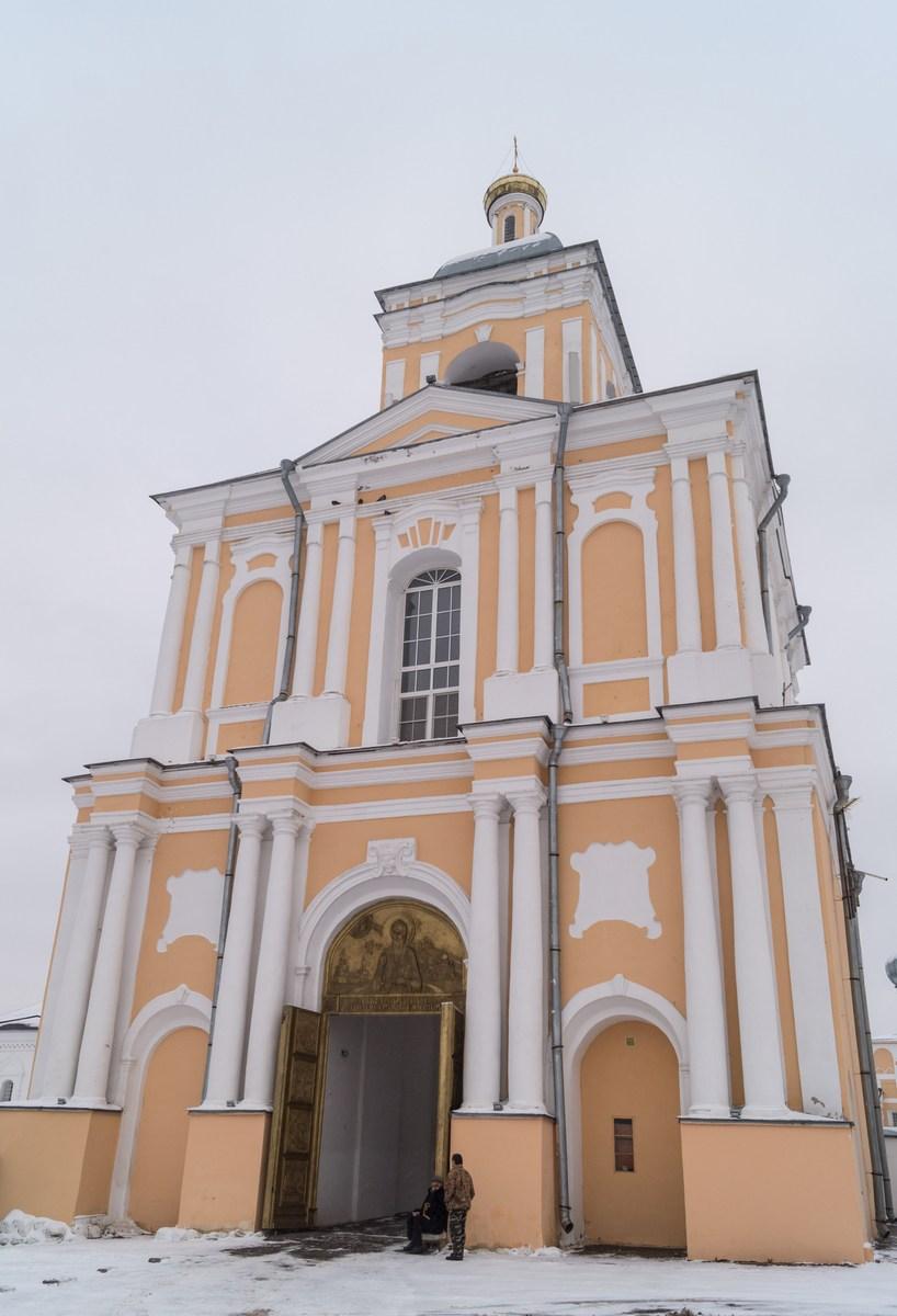Варлаамо-Хутынский Спасо-Преображенский монастырь под Новгородом. Колокольня.