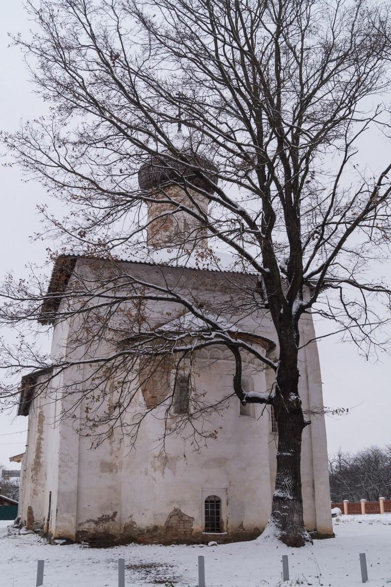 Старая Русса. Спасо-Преображенский монастырь. Церковь Сретения Господня.