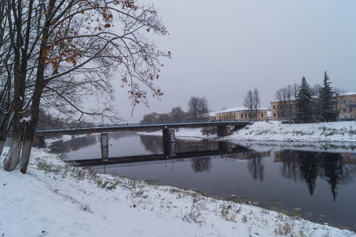 Старая Русса. Река Полисть. Ноябрь.