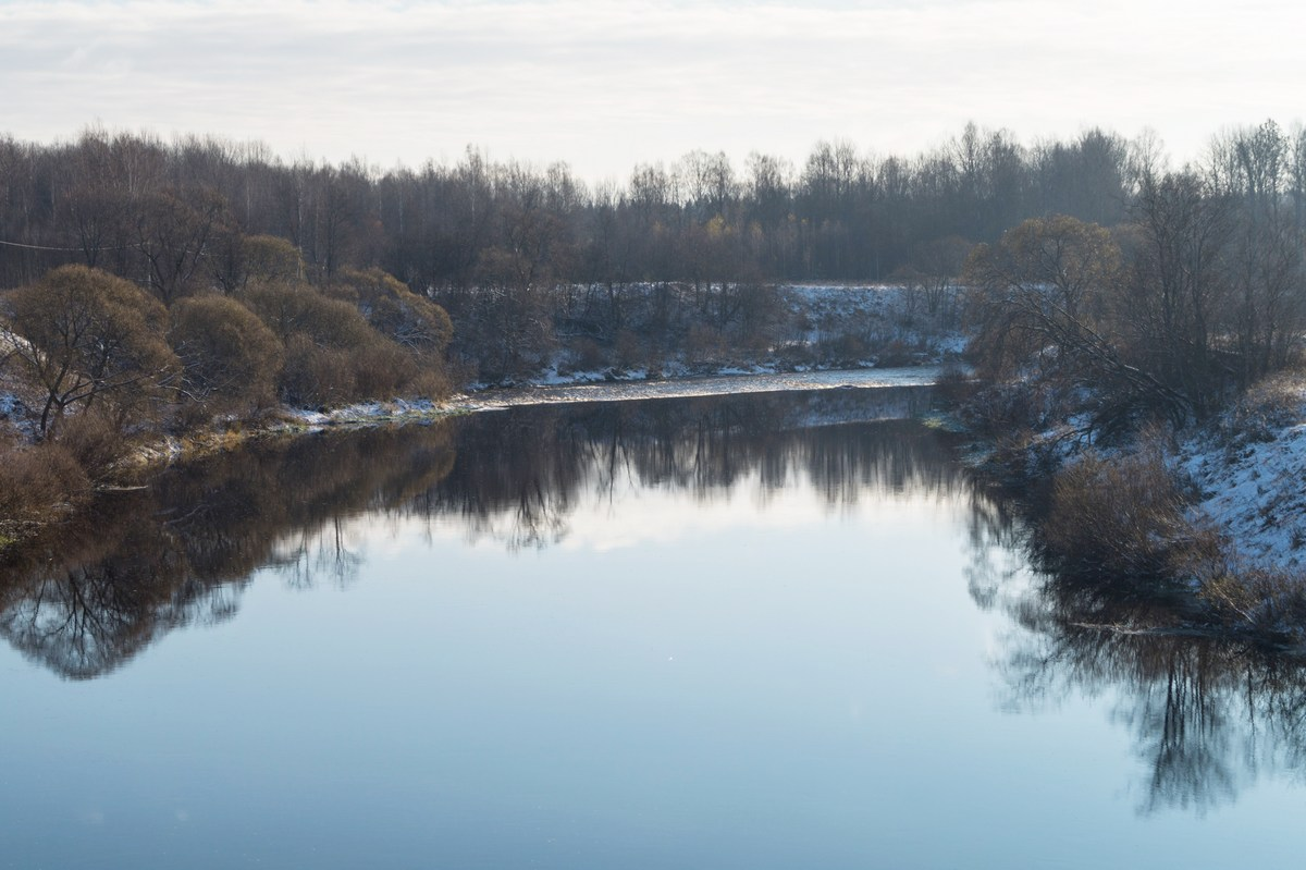Река Шелонь в Псковской области. Начало ноября.