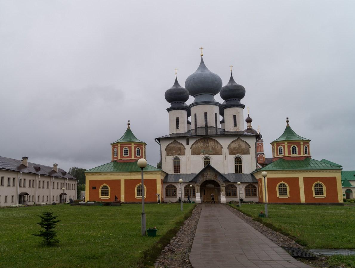 Тихвинский Успенский монастырь. Собор Успения Пресвятой Богоматери (1510-1515).