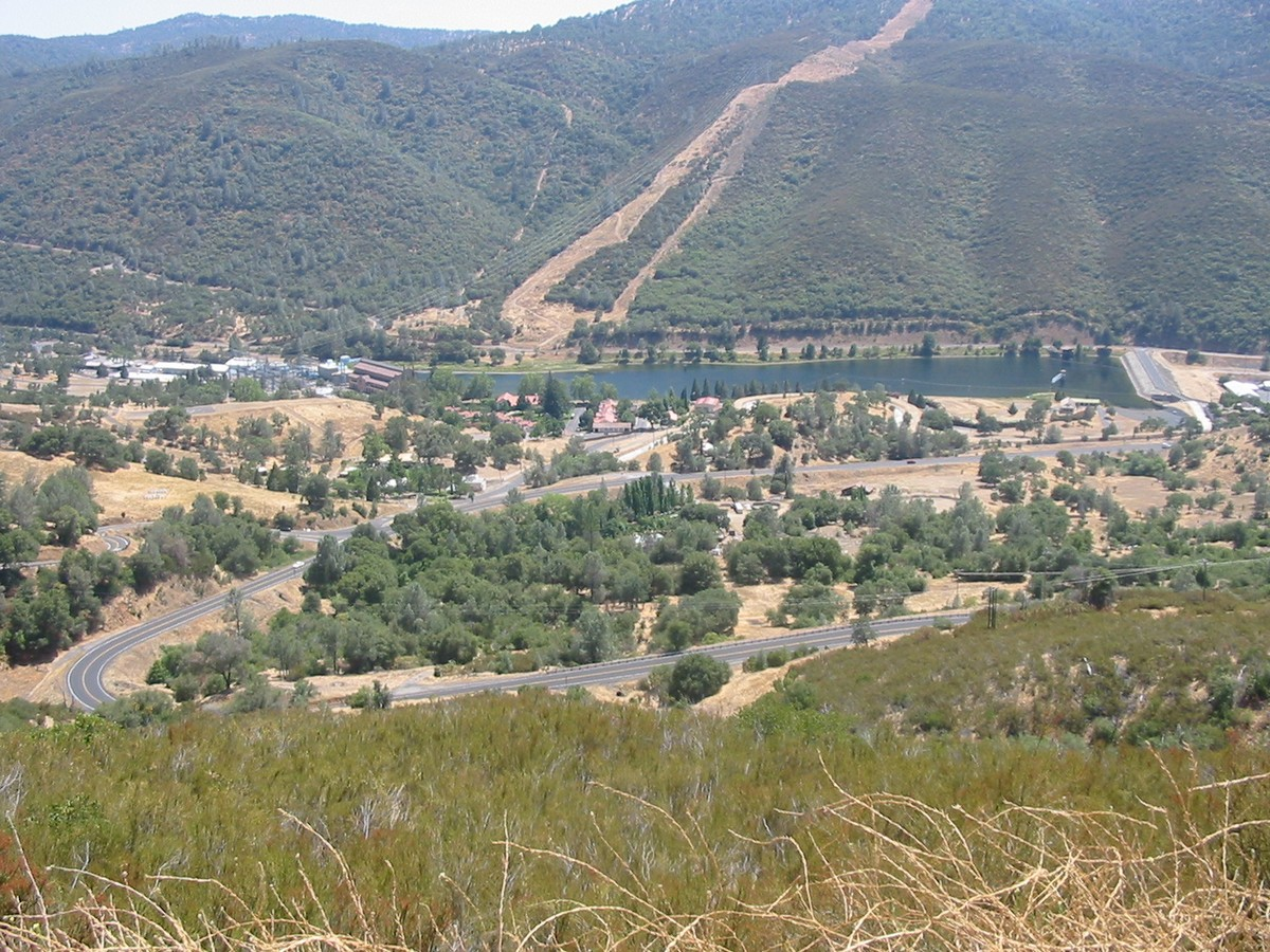 Калифорния. По дороге от Сан-Хосе к парку Йосемити.