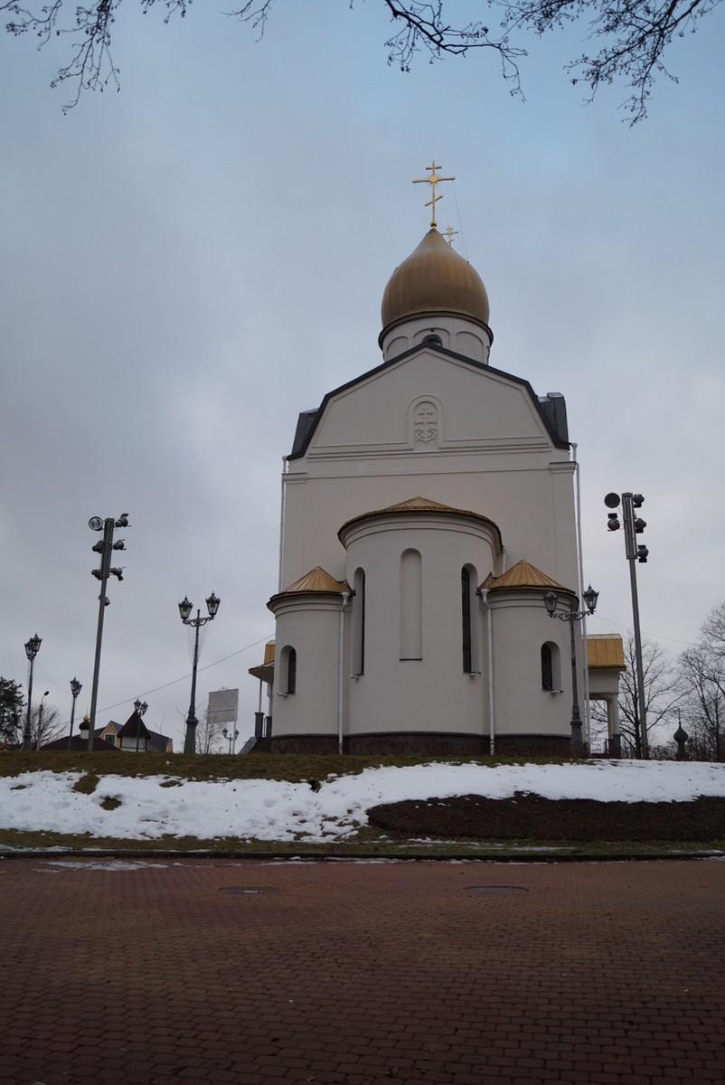 Сестрорецк. Церковь Петра и Павла. Вид с берега Разлива.