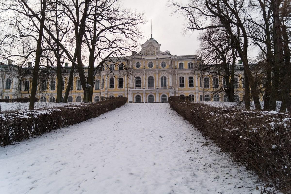 Знаменский дворец. Фасад, выходящий на залив.
