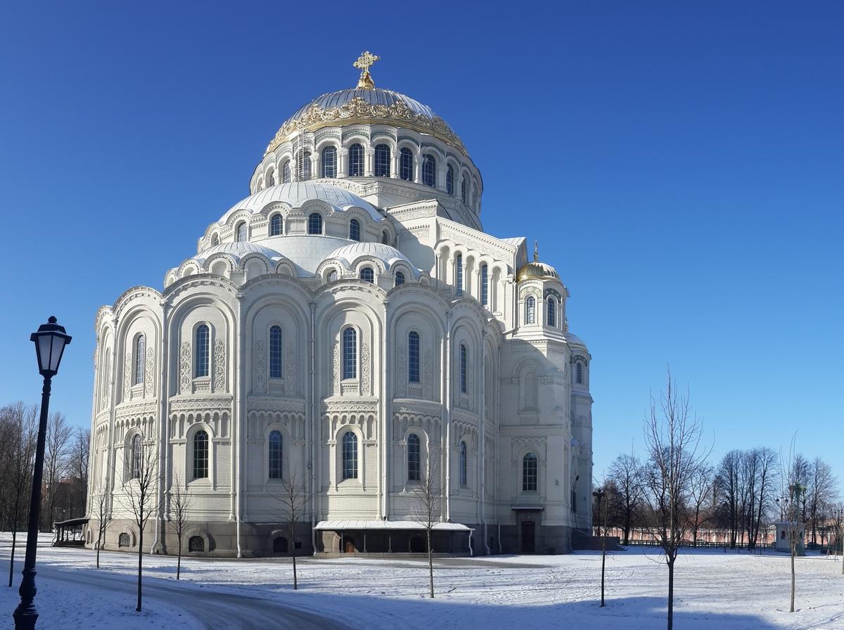 Кронштадт. Никольский Морской собор в начале марта.