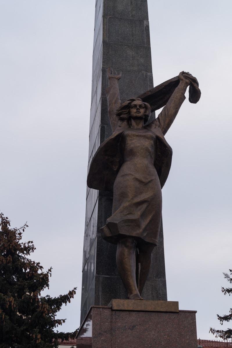Цена на памятники в гомеле к приезду памятники на могилу нижний новгород цены акции