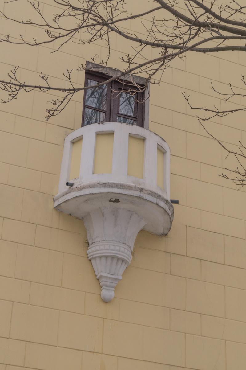 Гомель. Высокая башня на Советской улице. Балкон.