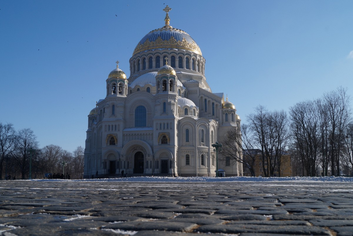 Кронштадт. Морской Никольский собор на Якорной площади.