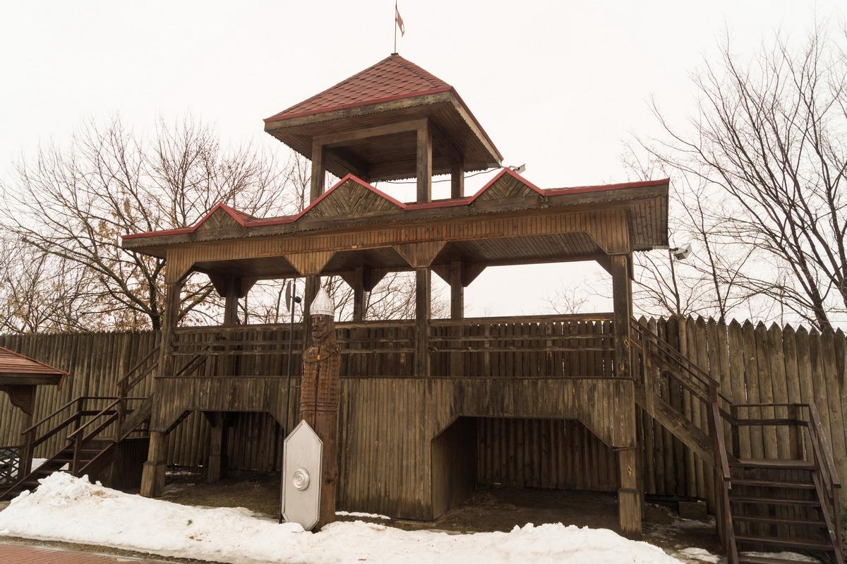 Мозырский замок. У стены, выходящей на Припять.