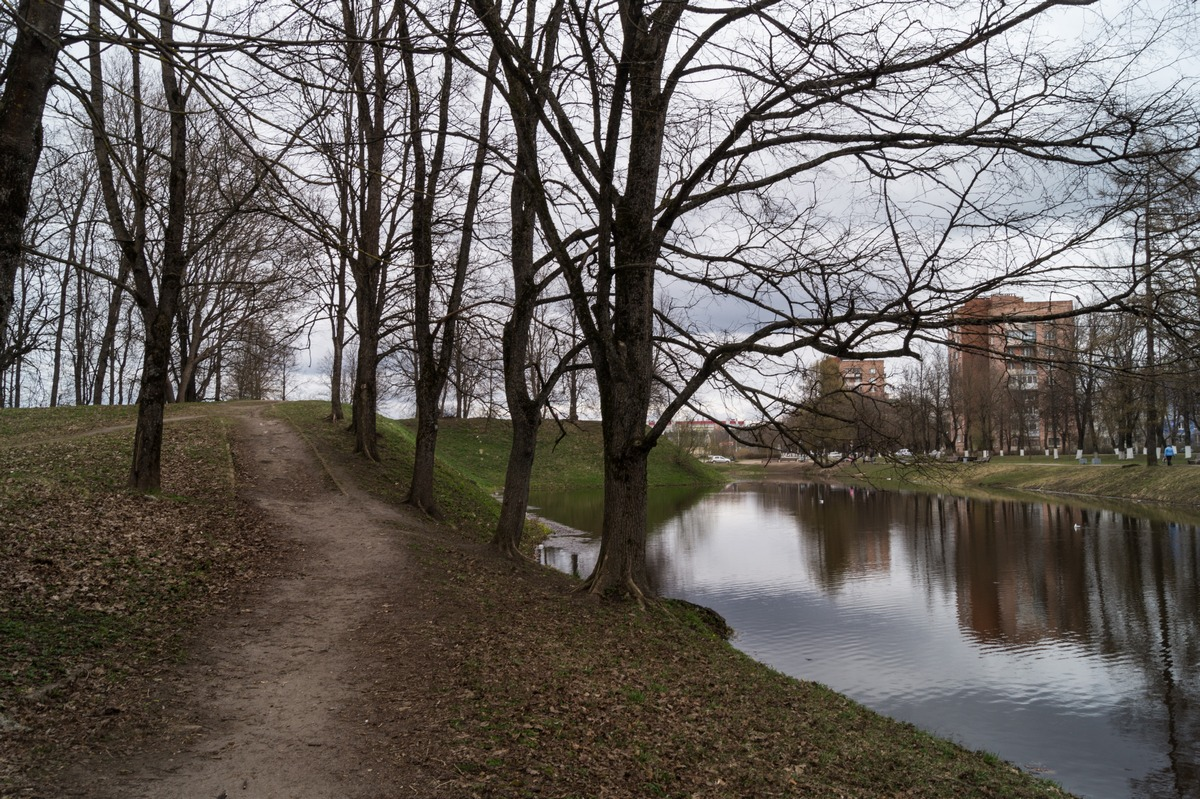 Кингисепп. На пруду у бывшей Ямбургской крепости.