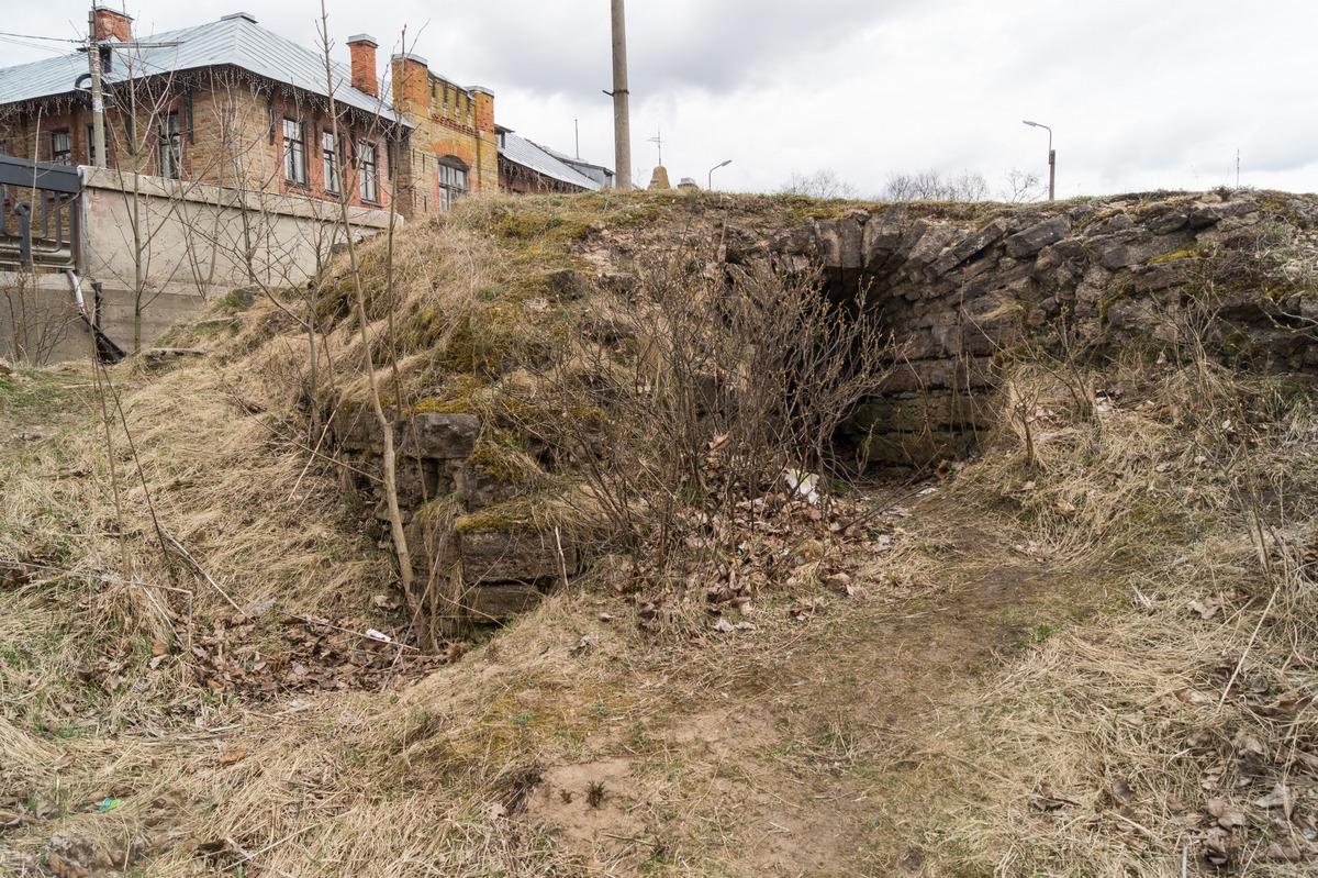 Кингисепп. Все, что осталось от Ямгородской крепости на берегу Луги.