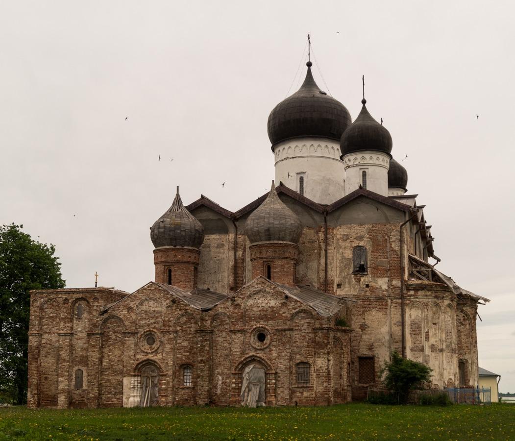 Троицкая церковь в Михайло-Клопском монастыре.