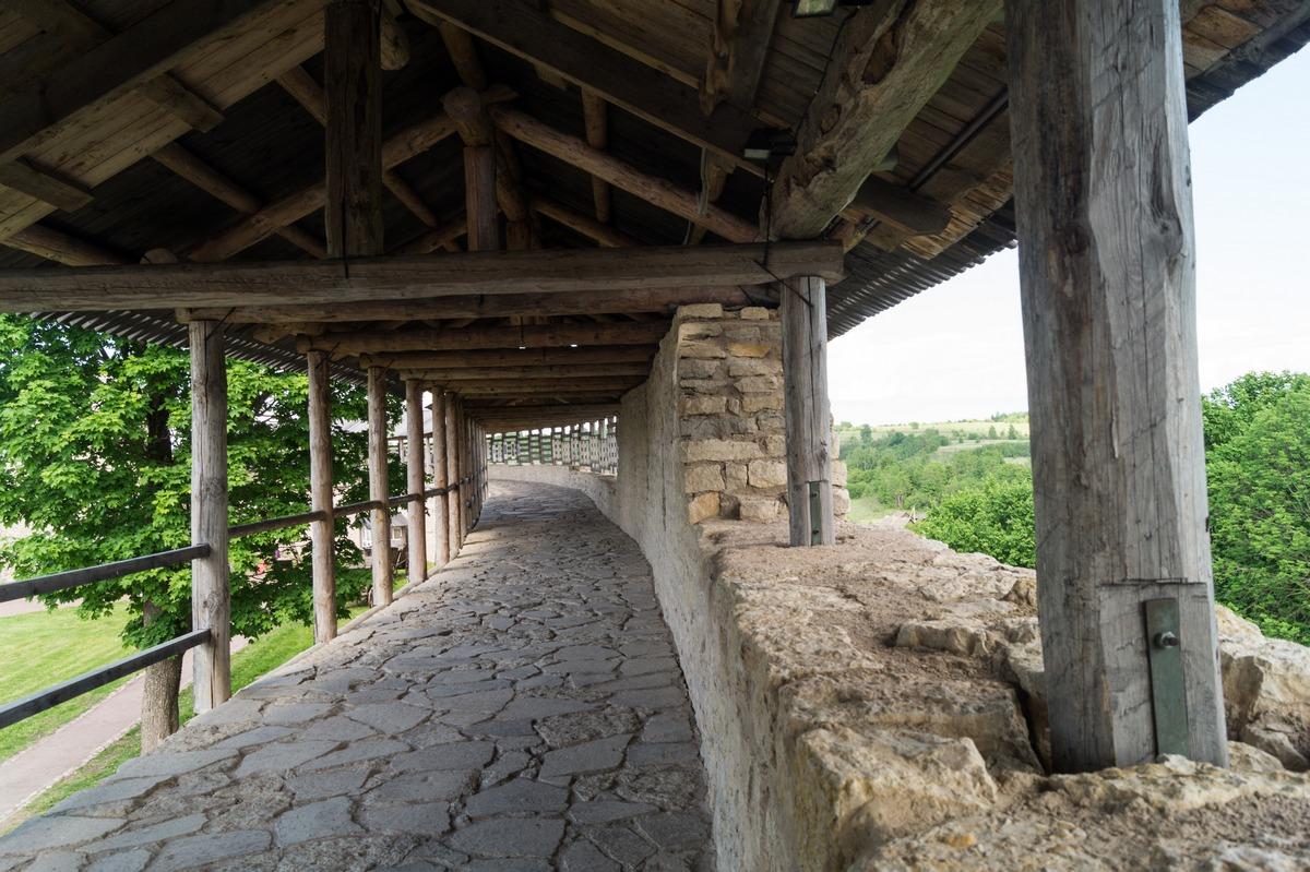 Изборская крепость. Боевой ход восточной стороны.