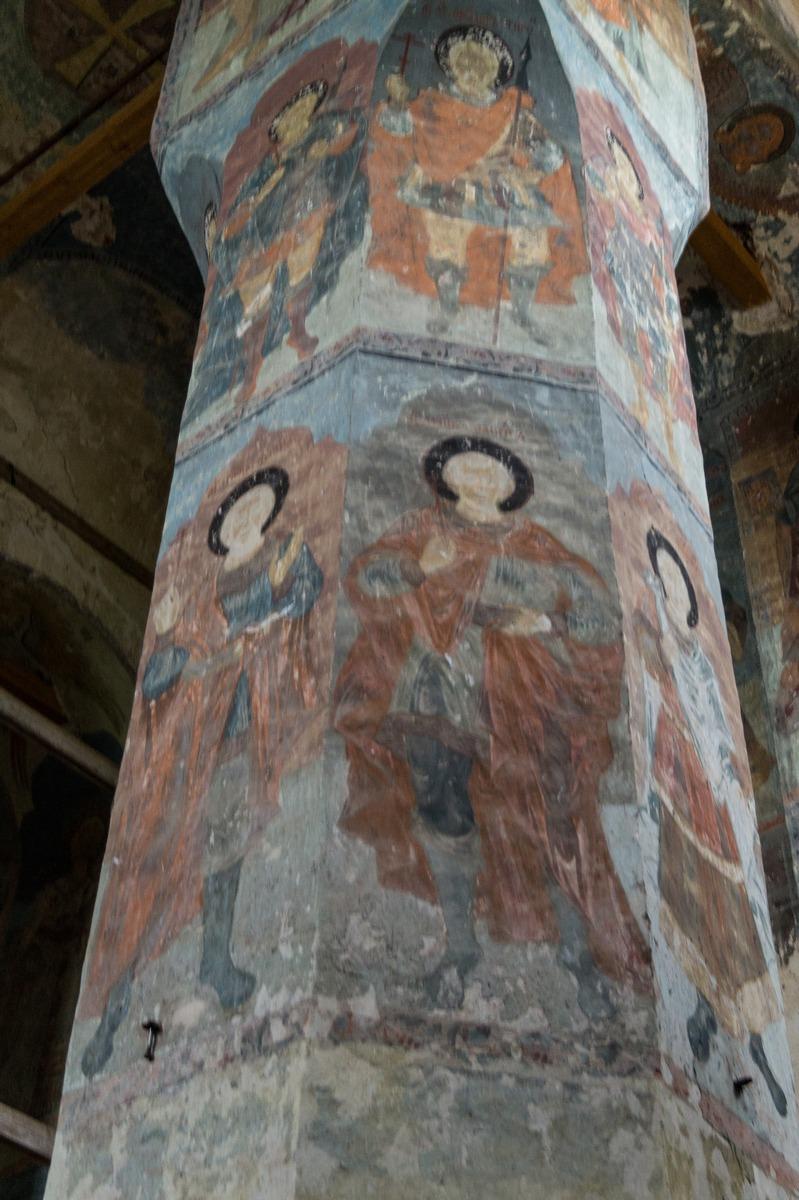 Михайло-Клопский монастырь. Фрески на колонне в Троицком соборе.