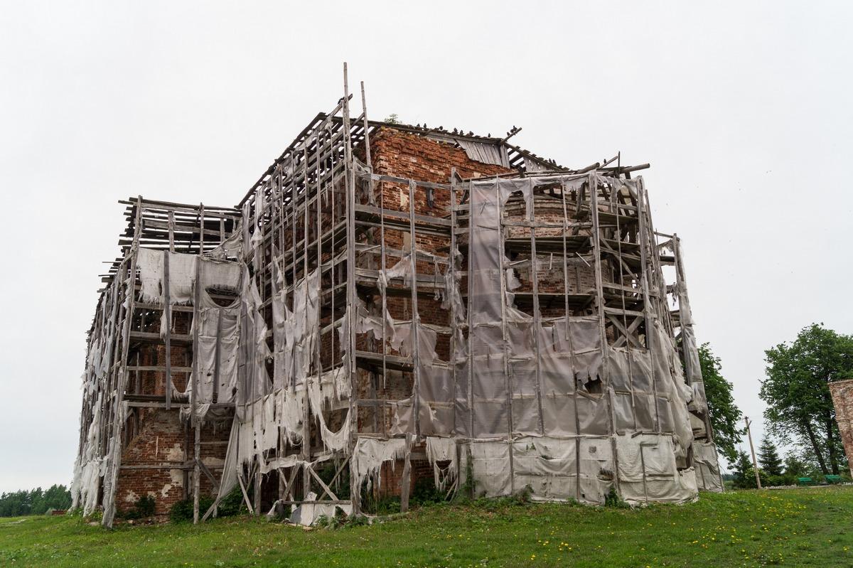 Михайло-Клопский монастырь.  Никольская церковь.
