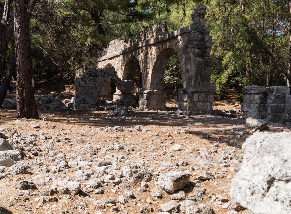 Остатки акведука в Фазелисе.