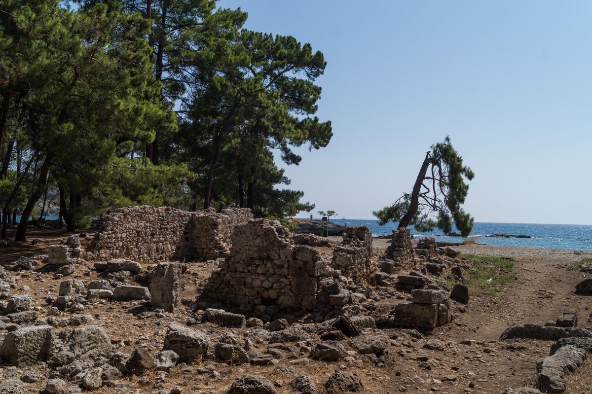 У античного Фазелиса на берегу Средиземного моря.