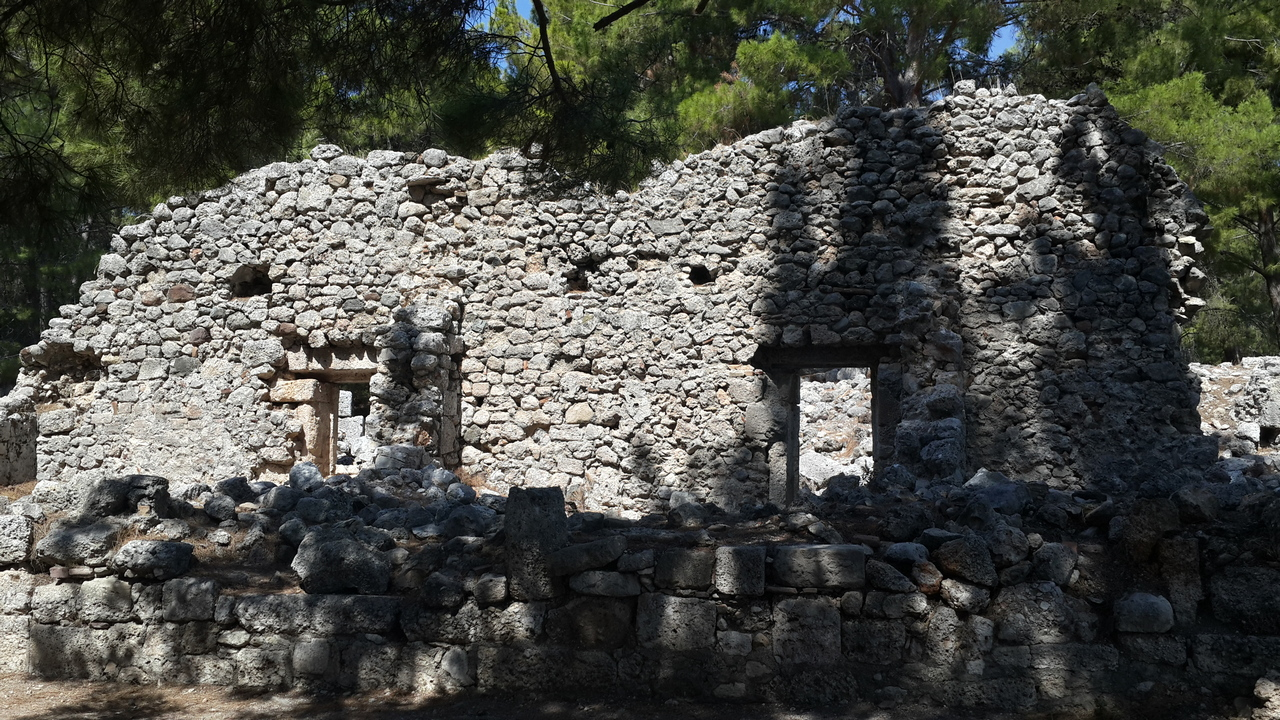 Фазелис. Стены древнего города.