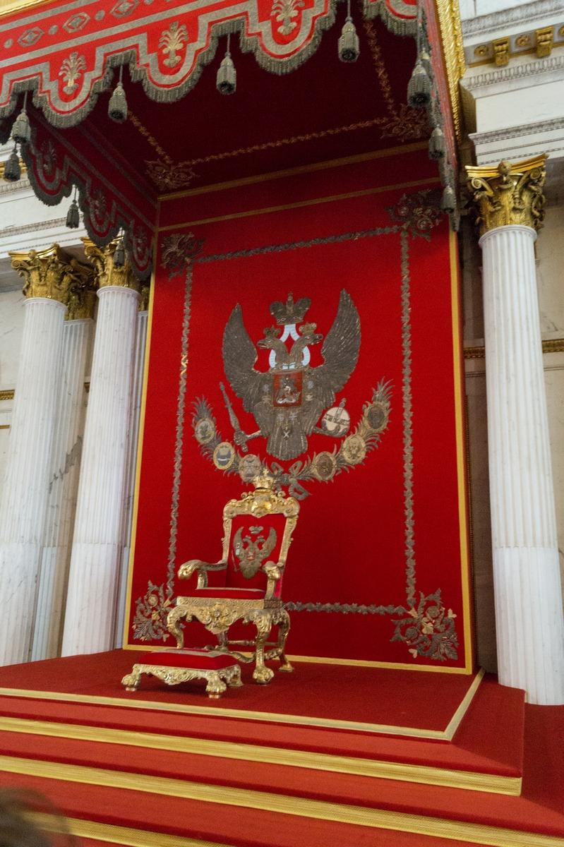 Государственный Эрмитаж. В Тронном зале.