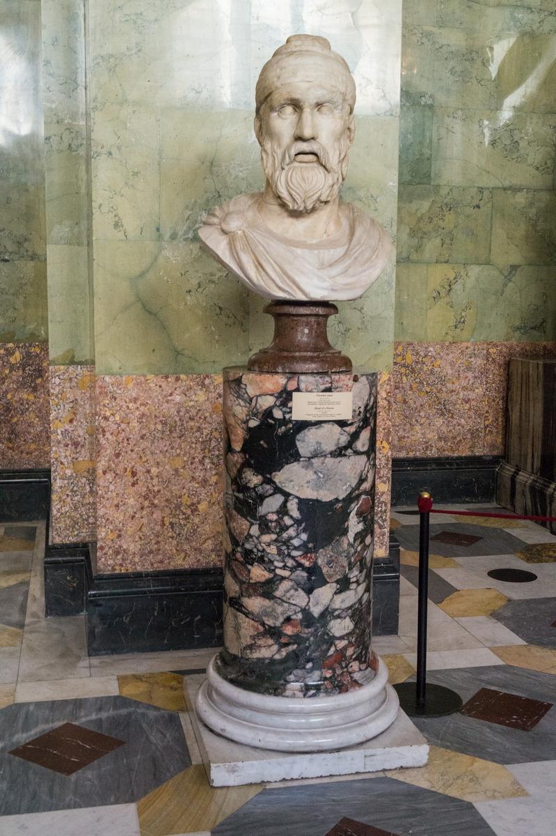 Государственный Эрмитаж.  Голова дака. Фрагмент монументальной статуи пленника с форума Траяна в Риме.