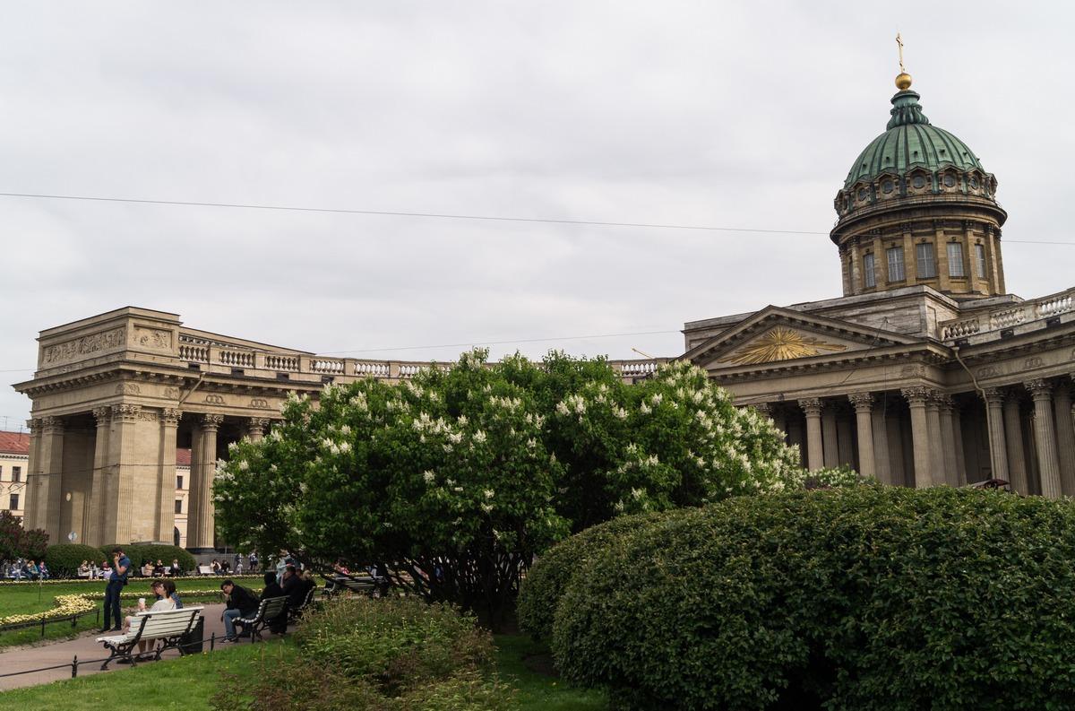 Июнь. Начало лета у Казанского собора.