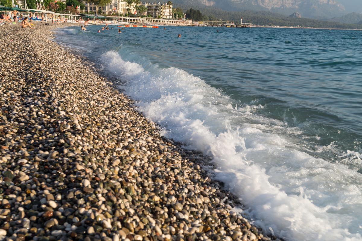 Кемер. У берега моря.