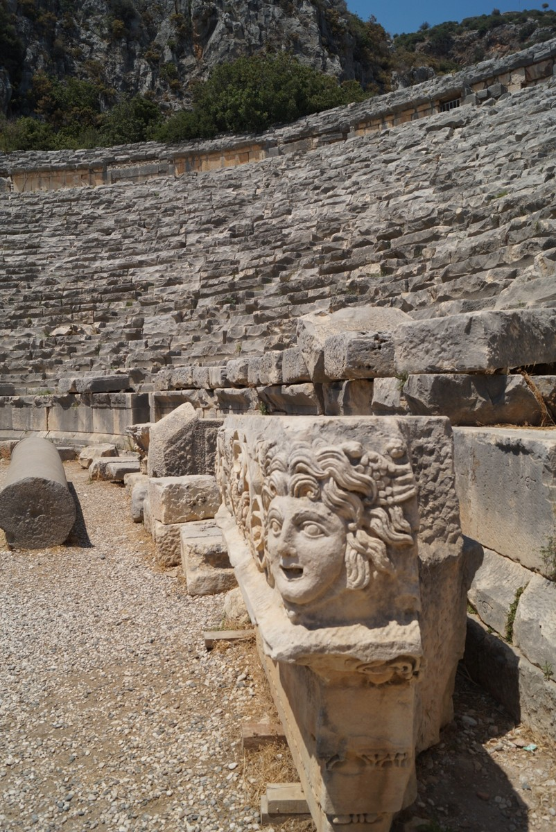 Мира Ликийская. В греко-римском амфитеатре. Внизу.
