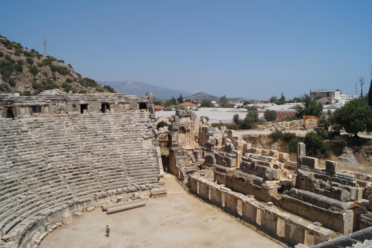 Мира Ликийская. В греко-римском амфитеатре.
