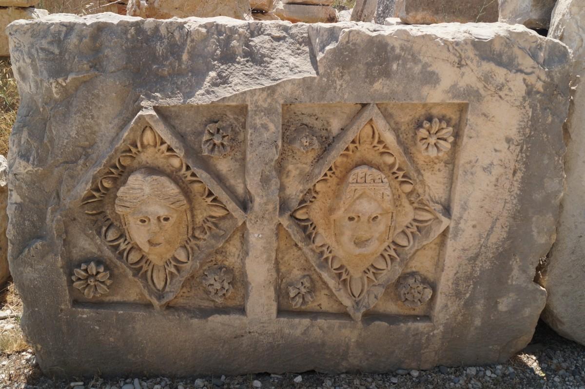 Мира Ликийская. Греко-римские орнаменты на камне.