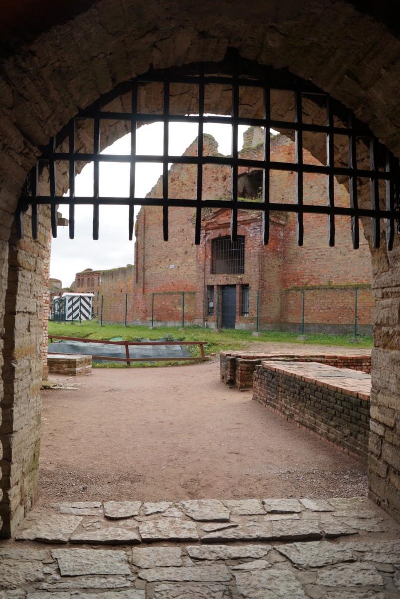 Крепость Орешек. Государева (Воротная) башня. Ворота с решеткой.
