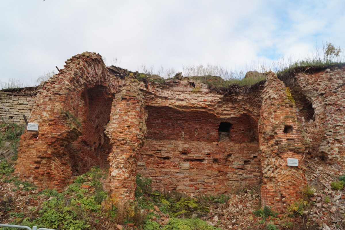 Крепость Орешек. Петровские казармы.