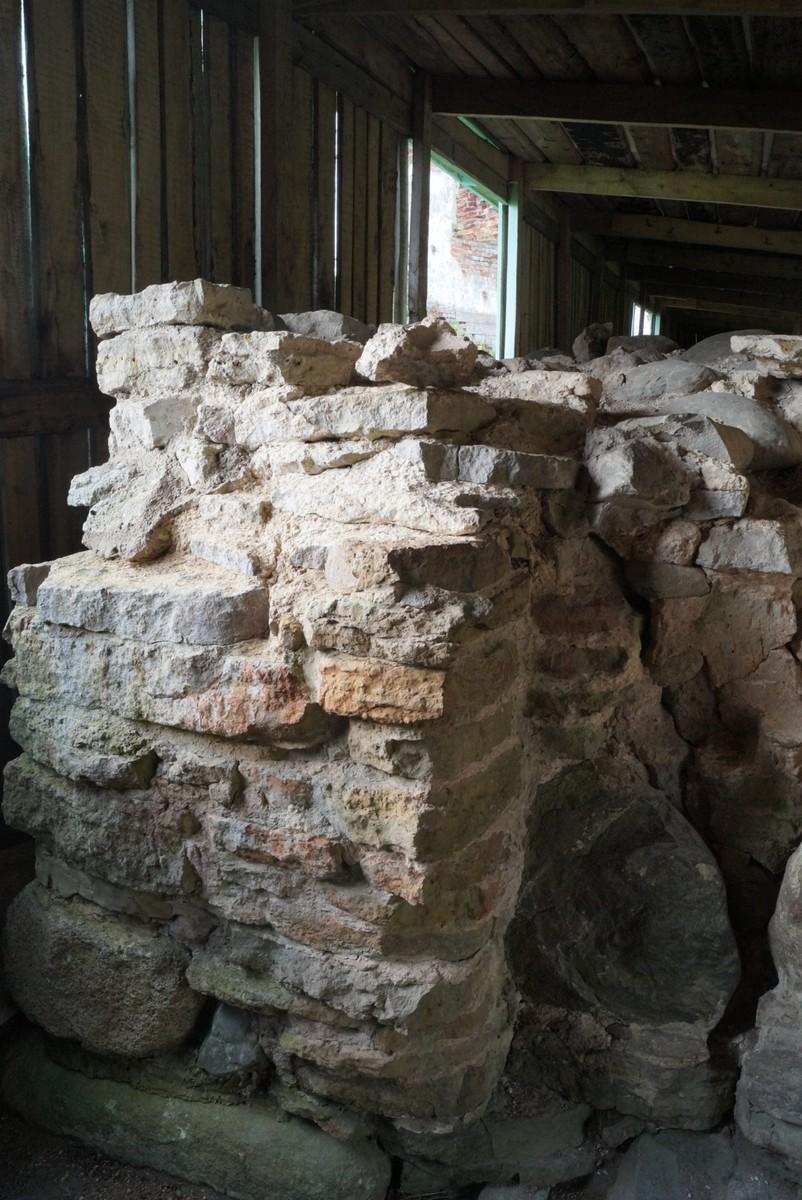 Крепость Орешек. Стена Новгородской крепости 1352 года.