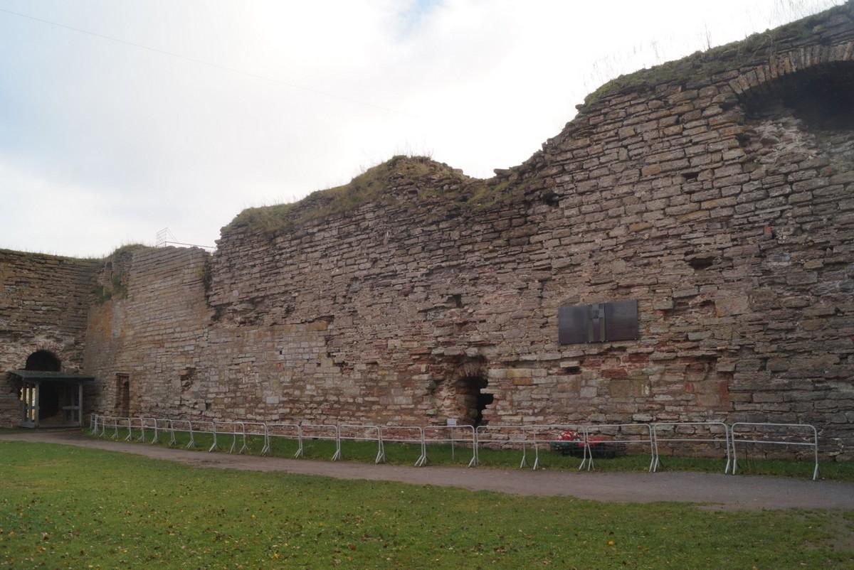 Крепость Орешек. Во дворе цитадели.