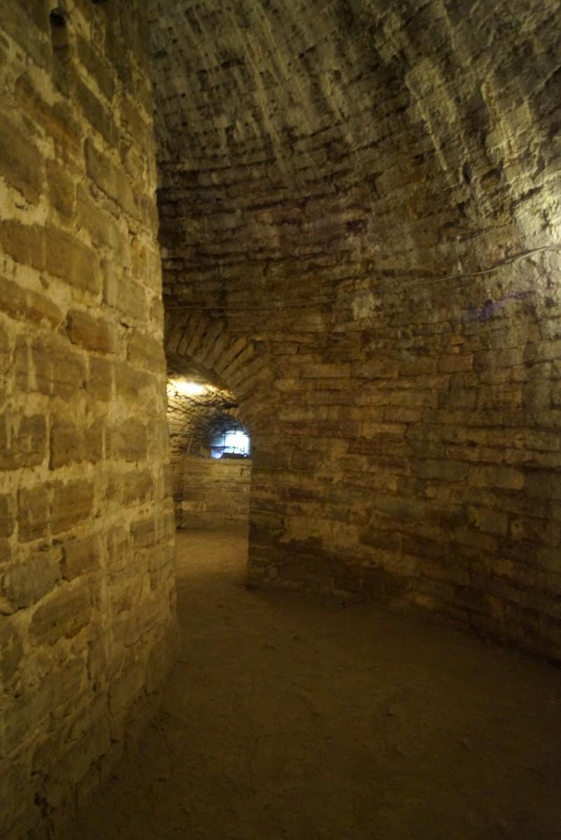 Крепость Орешек. В подземелье Королевской башни. Холодновато внизу.