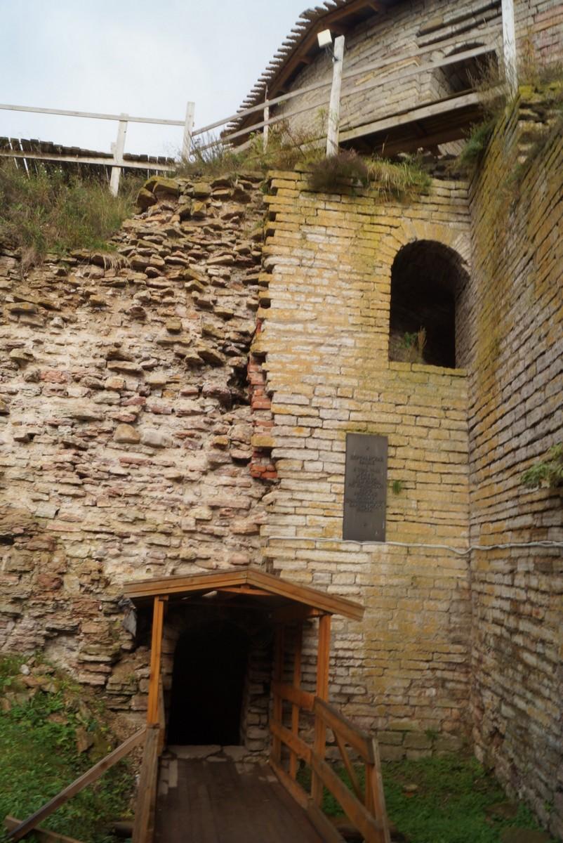 Крепость Орешек. У Королевской башни рядом со Старой тюрьмой.