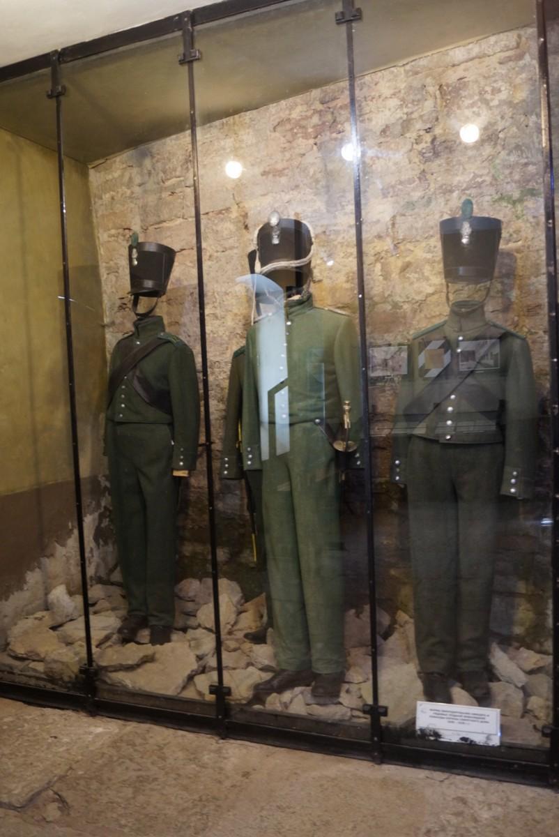 Крепость Орешек. Старая тюрьма.Одежда охранников и конвоиров.