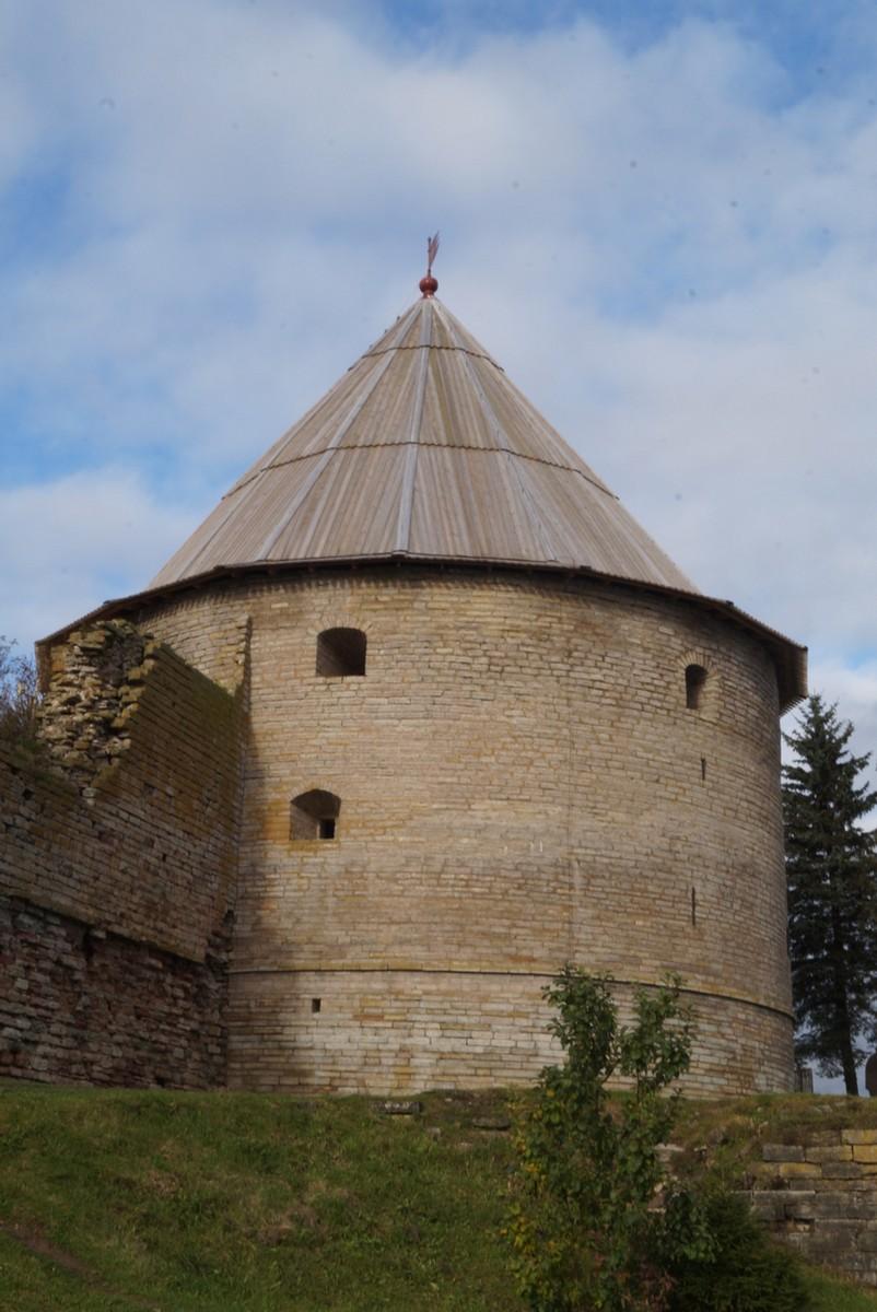 Крепость Орешек. Королевская башня на берегу Ладоги.