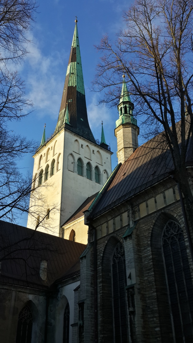 Таллин. У церкви Олевисте.