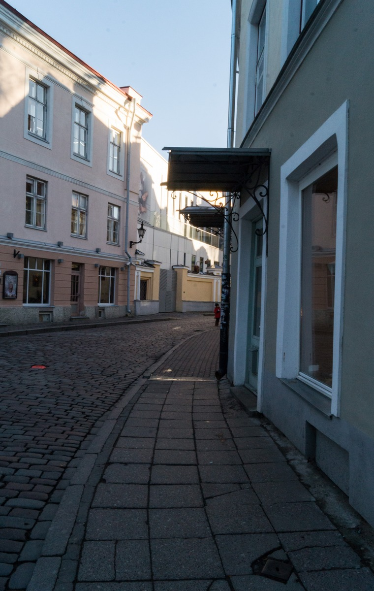 Таллин. На улице Нунне.