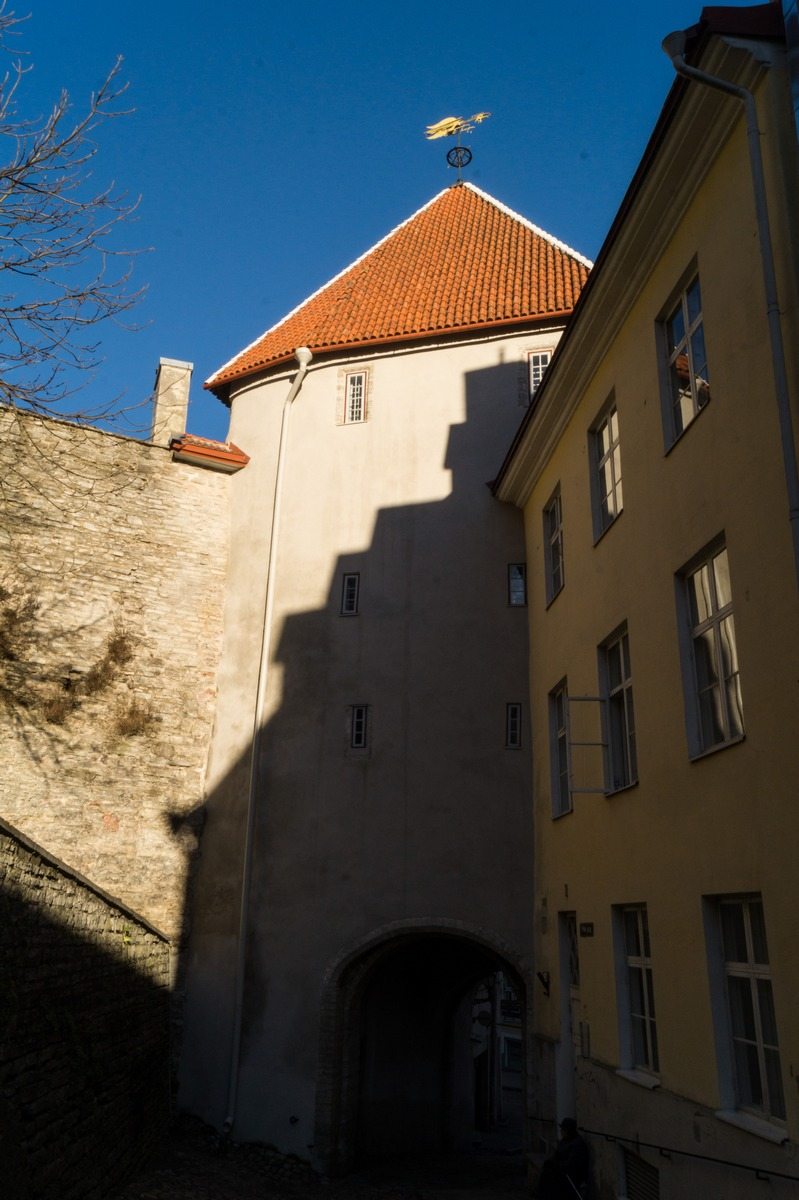 Таллин. Надвратная башня Пикк-Ялг.